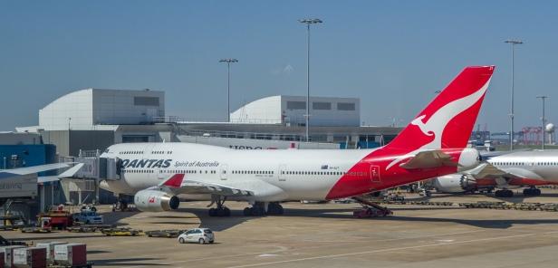 Qantas_Boeing-747-400_VH-OJT_.jpg