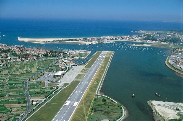 Vista aérea del Aeropuerto de Hondarribia (San Sebastián)