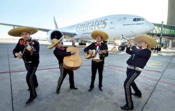 Emirates Barcelona Mexico vuelo flight mariachis